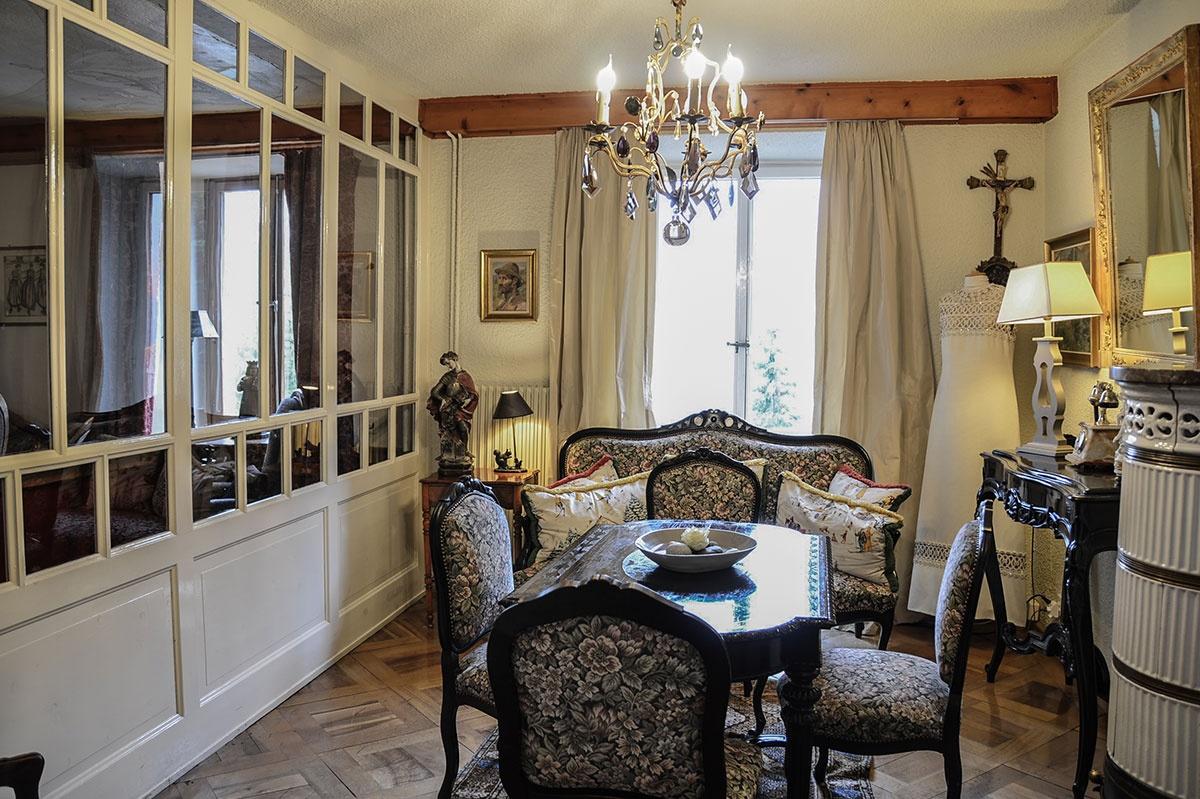 Salon Ravel, Bella Tola, station des étoiles, saint-luc, établissement de luxe, swiss historic hotel.jpg