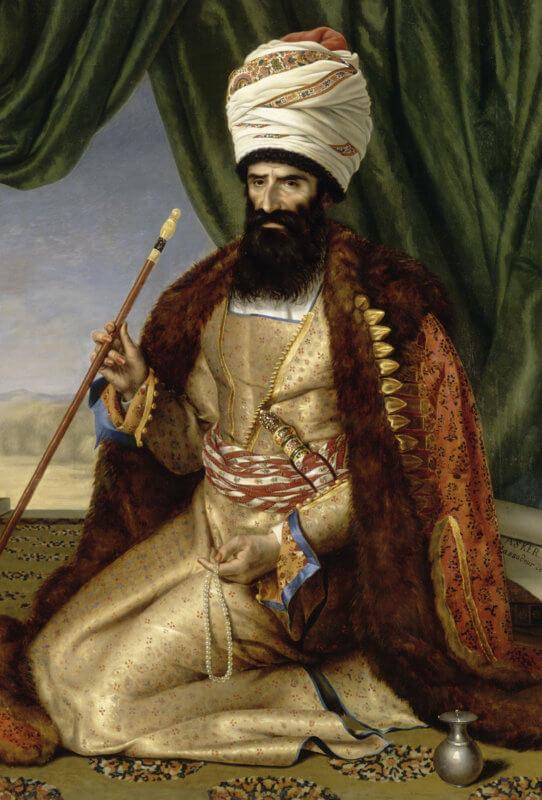 L'Orient, L'Iran, la rose. De 1786 à 1925, la dynastie Qajar règne fastueusement et fascine par le raffinement de ses arts décoratifs – mention à l'usage emblématique de la rose. Le musée du Louvre-Lens offre la première rétrospective européenne uniquement consacrée à l'art de cette dynastie qui s'ouvre davantage à l'Occident et à la modernité tout en conservant son esprit persan propre. L'art Qajar est avant tout un art de monstration du pouvoir – un art royal. Réalisées pour le shah par des artistes de cour, les œuvres sont jalousement gardées dans les palais dont, aujourd'hui encore, l'univers calfeutré est parfois difficile d'accès. Mais les prêts d'institutions, publiques et privées, occidentales comme orientales, et plus particulièrement de musées iraniens, ont permis d'étoffer cette riche exposition qui présente peintures, bijoux, tapis, costumes et autres armes d'apparat dans une mise en scène immersive signée Christian Lacroix.